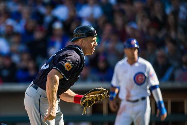 New York Yankees acquire catcher Eric Kratz from Cleveland Indians