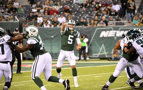 Jets' Christian Hackenberg passes  against the Eagles during