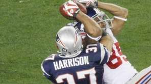 Giants wide receiver David Tyree makes one of