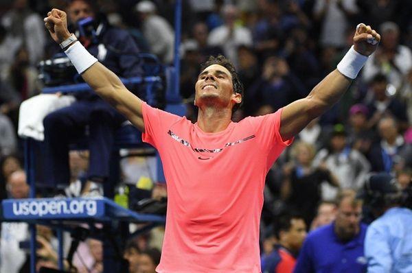 Rafael Nadal reacts after he wins against Leonardo