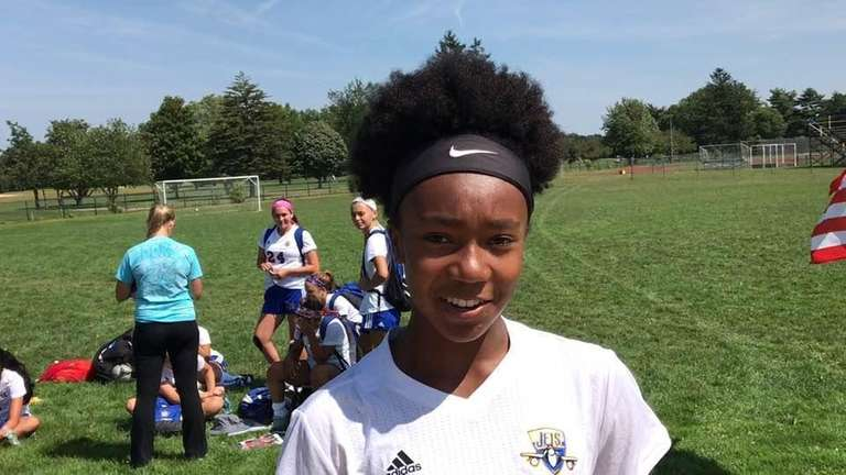 East Meadow defeated Manhasset, 1-0, in its opening
