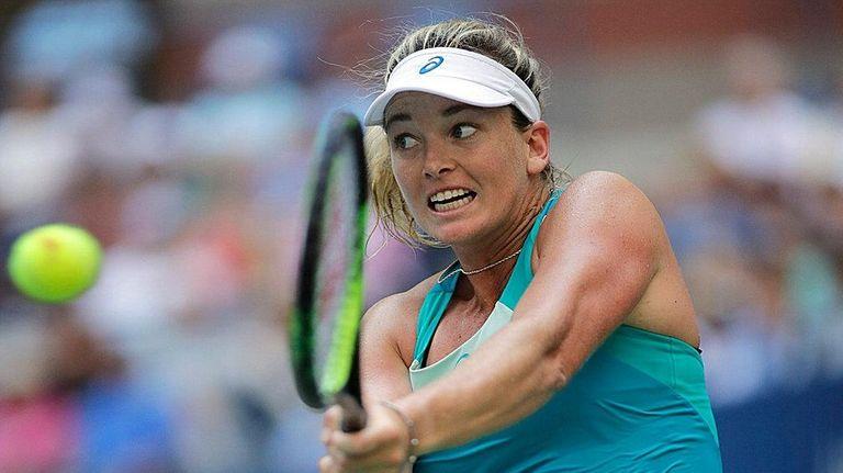 CoCo Vandeweghe hits backhand return against Lucie Safarova