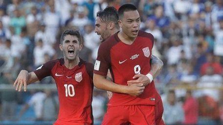 The United States' Bobby Wood celebrates with teammates