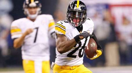 Le'Veon Bell missed the Steelers' preseaon in a