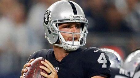 Raiders QB Derek Carr missed 2016 playoffs