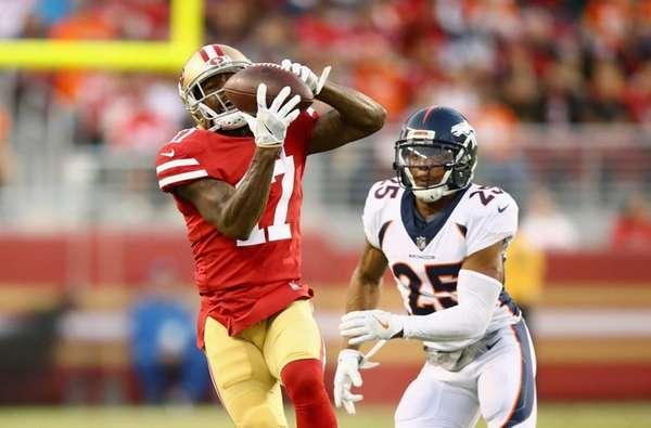Jeremy Kerley of the 49ers catches the ball