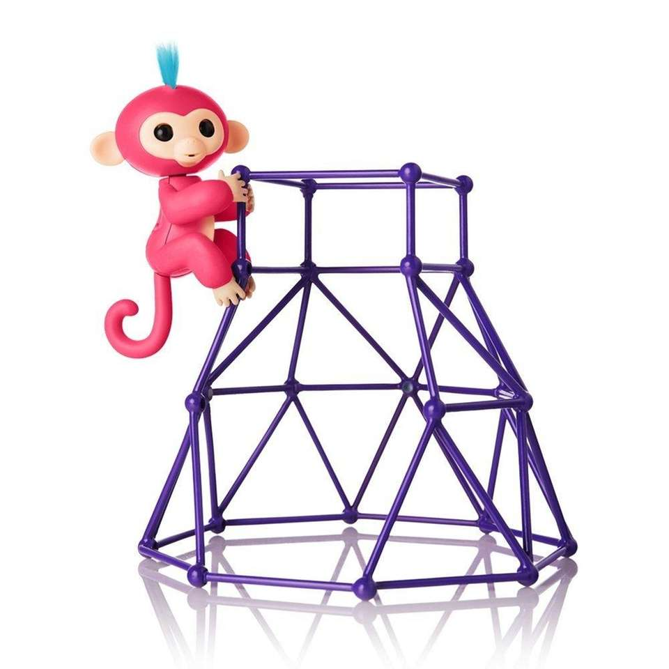 This Fingerlings Jungle Gym playset is an Amazon