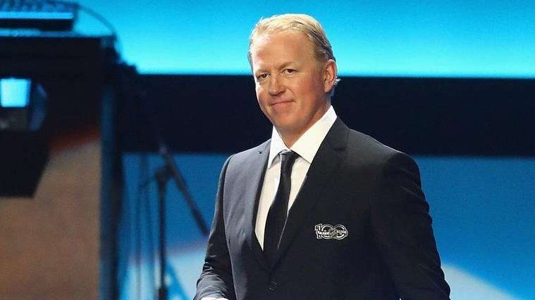Former NHL player Brian Leetch is introduced during