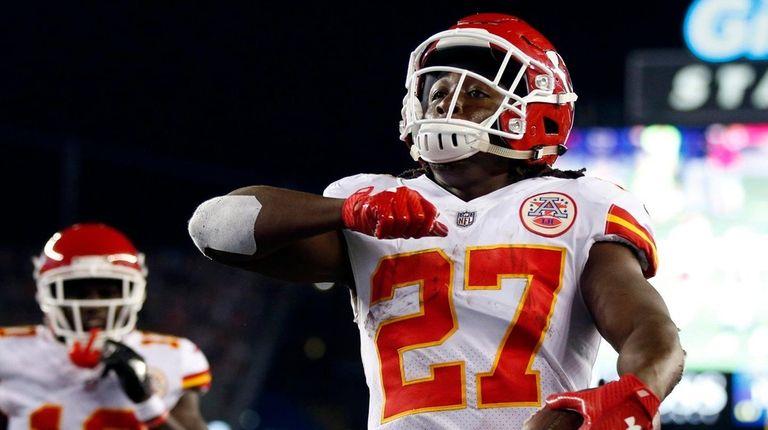 Chiefs running back Kareem Hunt celebrates his touchdown
