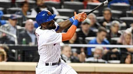 Jose Reyes hits a home run in the