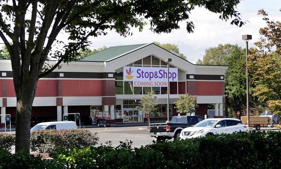 A Stop & Shop is moving into a