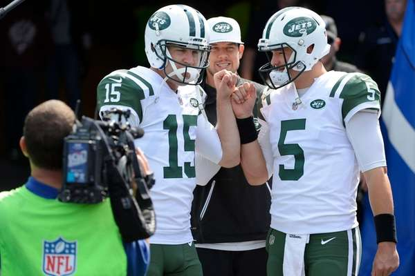 New York Jets quarterback Josh McCown (15) and