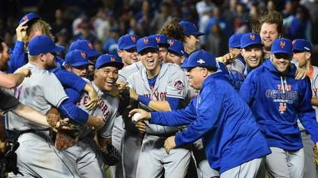 New York Mets celebrate their NLCS victory over