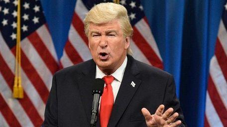 Alec Baldwin plays President Donald Trump on