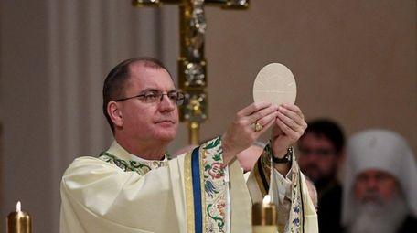 Bishop John Barres celebrates the Liturgy of the