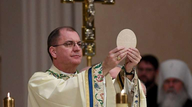 Bishop John Barres celebrates the Liturgy of the