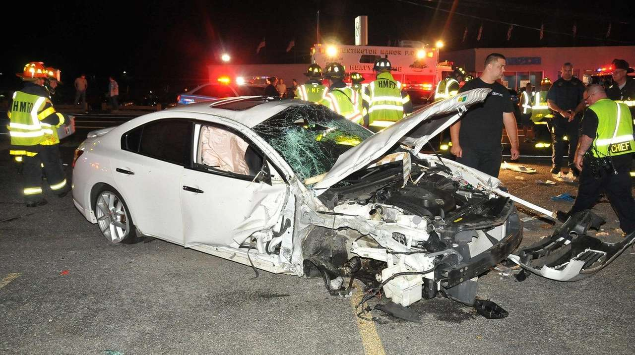 woman seriously hurt in crash on jericho turnpike cops say newsday