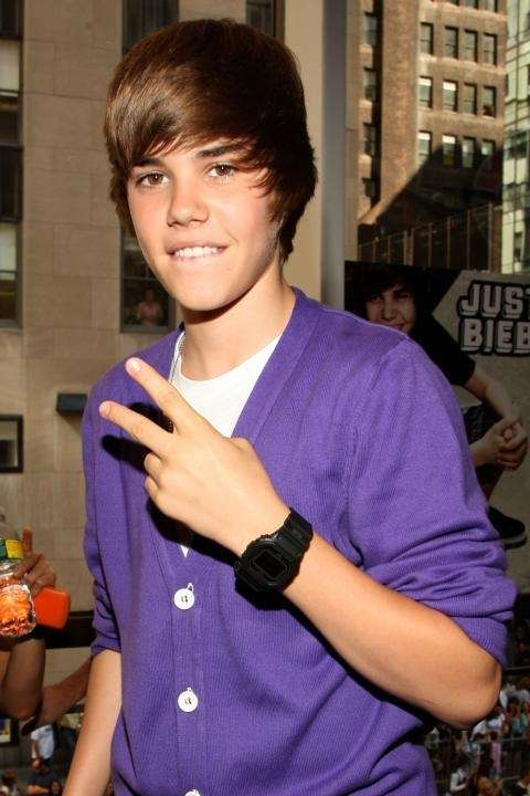 Justin Bieber visits the Nintendo World Store in