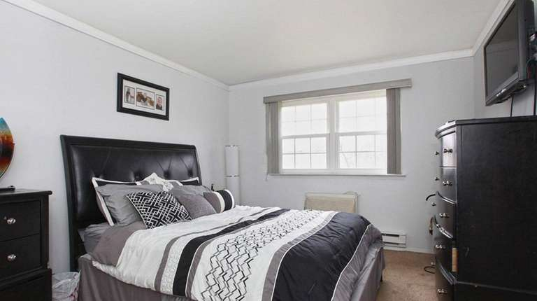 This one-bedroom, one-bathroom unit in Bellmore rents for