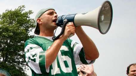 Craig Carton, WFAN morning show co-host, rallies Jets fans