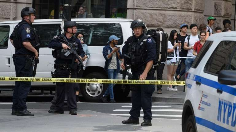 Police respond as students evacuate Pace University in