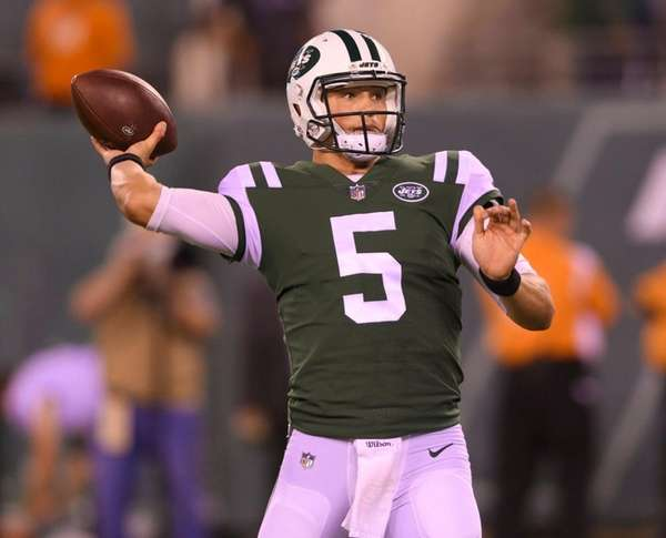 Jets quarterback Christian Hackenberg passes against the Eagles