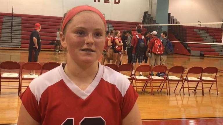Mineola girls volleyball defeated Wantagh, 3-2, in a