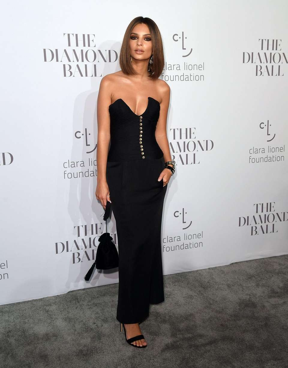 Model Emily Ratajkowski attends Rihanna's third annual Diamond