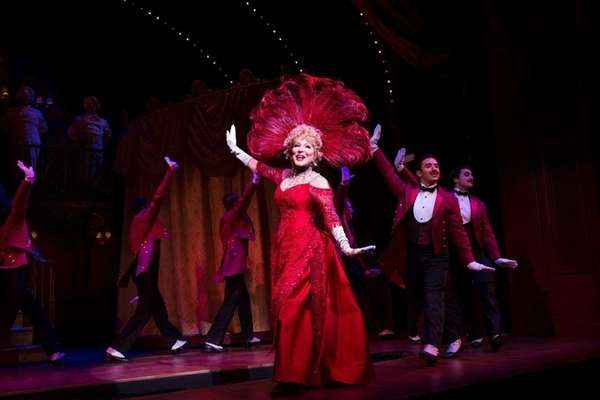 Actress Bette Midler 'fine' after falling during 'Hello Dolly!'