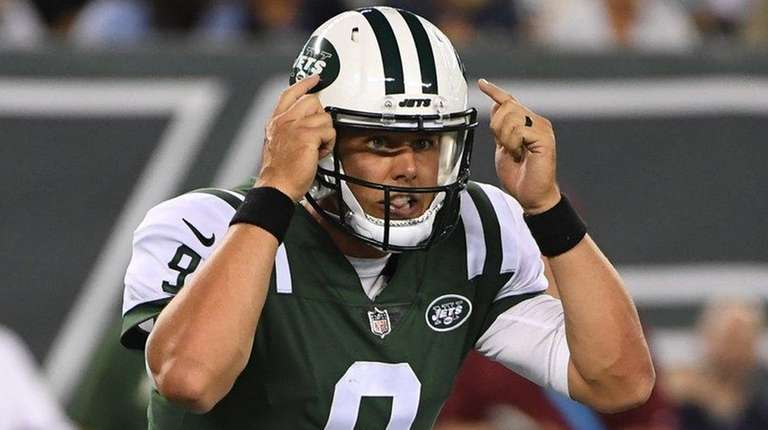 Jets quarterback Bryce Petty signals in the second