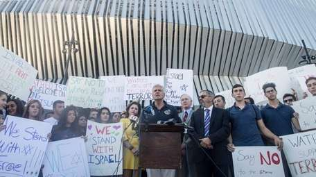 Councilman Bruce Blakeman, Jewish groups and local residents