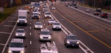 Traffic on the Long Island Expressway looking west.