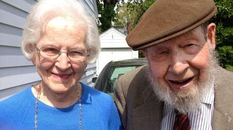 Lou Sanders, 94, a World War II veteran,