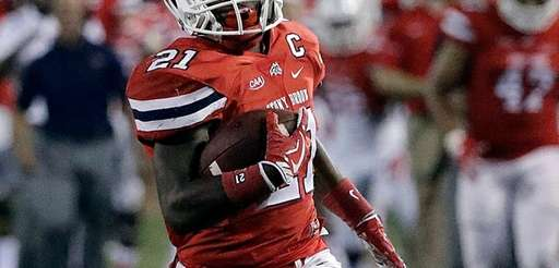 Stony Brook Seawolves running back Stacey Bedell runs