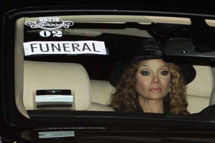 La Toya Jackson arrives at Michael Jackson's funeral