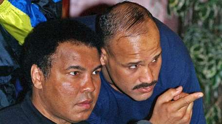 David Bey, a former heavyweight boxing champ, died