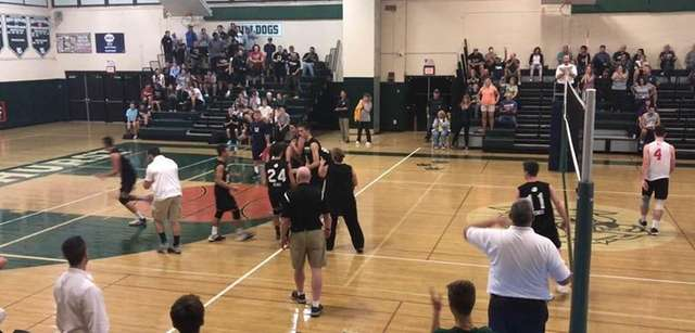 The Lindenhurst boys volleyball team defeated Smithtown West,
