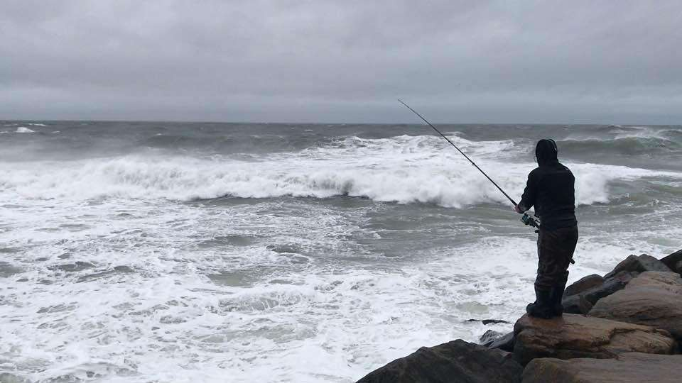 George Rivadeneira braves wind and high seas from