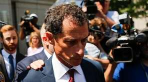 Former Rep. Anthony Weiner (D-N.Y.) leaves federal court