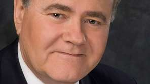 News 12 Long Island anchor Drew Scott, 70,