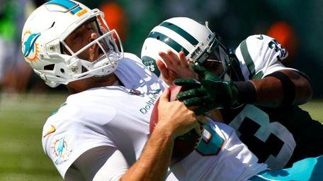 Jets rookie safety Jamal Adams sacks Dolphins quarterback