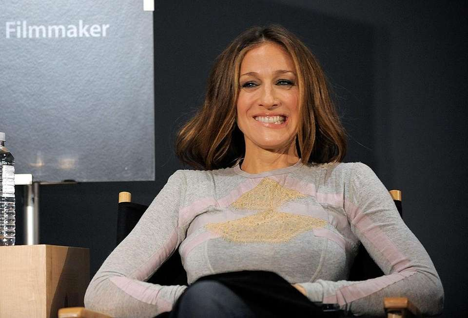 Sarah Jessica Parker appears at an Apple store