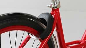 The LINKA bike lock, pitched in season 7,