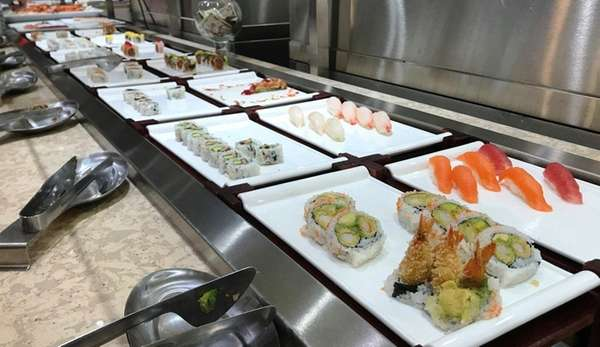 DuMont's, a new buffet restaurant in Long Beach,