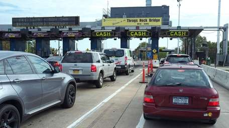Cashless tolling at the Throgs Neck Bridge crossing