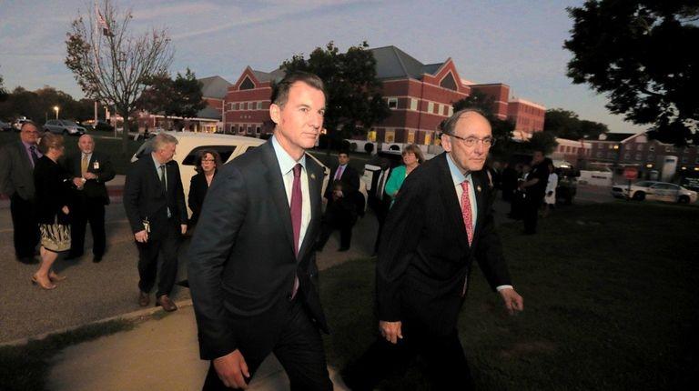 Congressman Tom Suozzi and Congressman Phil Roe, chairman