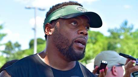 Former Jets linebacker Erin Henderson speaks with the