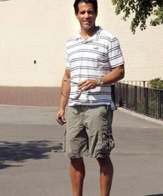 Thomas Elgins, Newport Beach, Calif., wears cargo shorts,