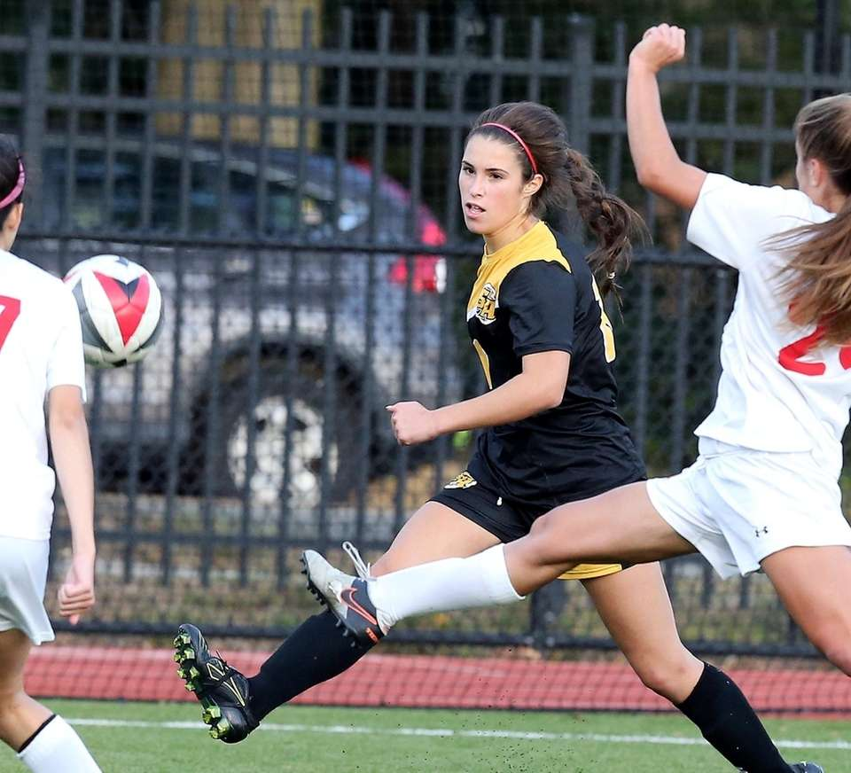 St. Anthony's Brianna Passaro launches the only goal