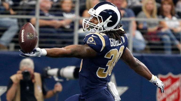 Rams running back Todd Gurley celebrates a touchdown